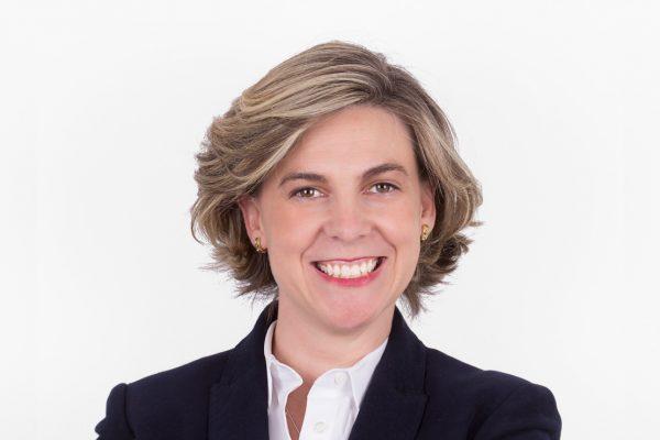 Dra Laura Ceballos Clínica dental CIRO Madrid